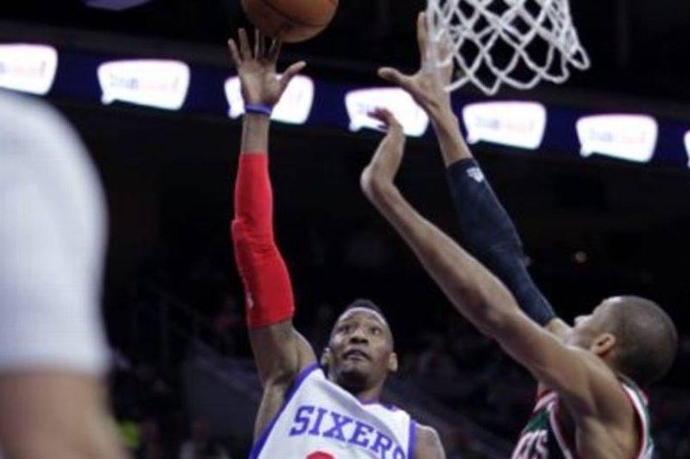 NBA: «Ζωγραφιές» από Αντετοκούνμπο, μηνύματα από Κάρτερ-Ουίλιαμς (videos)
