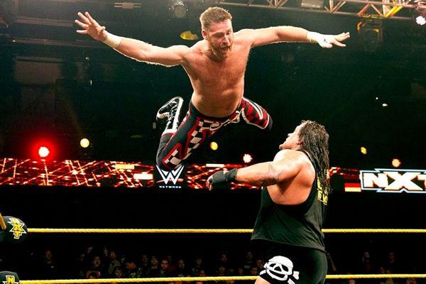 NXT: Προσγείωση για Rhyno (photos+videos)