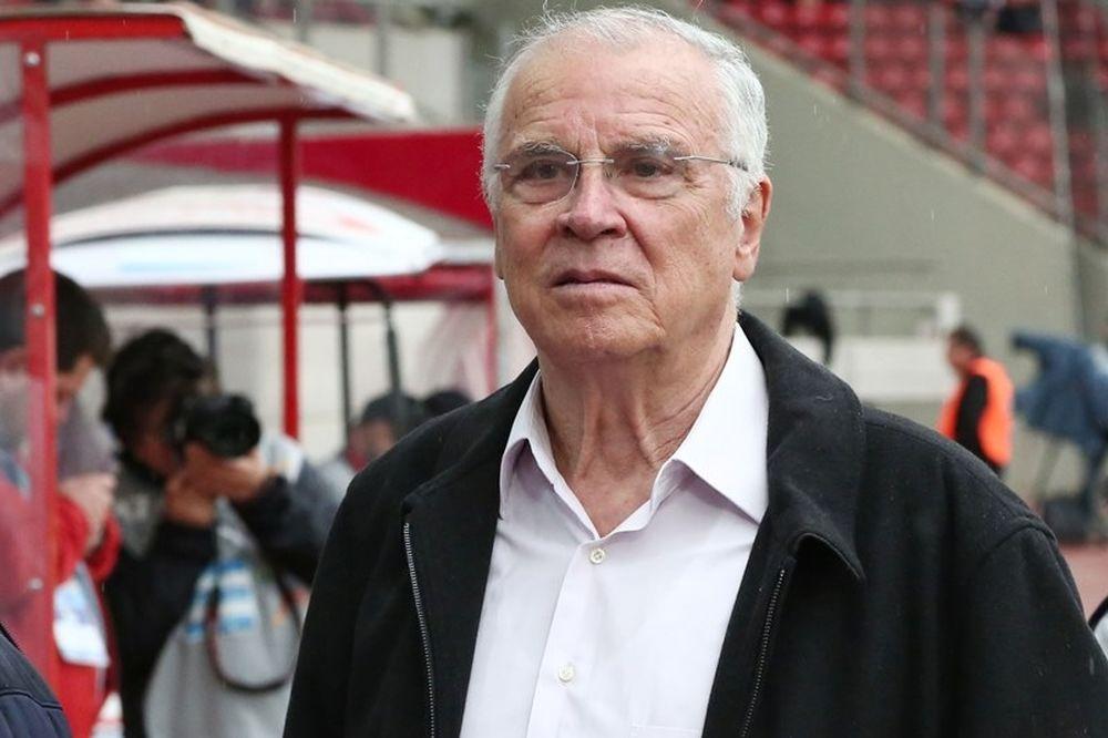 Θεοδωρίδης: «Ό,τι και να κάνουν ο Ολυμπιακός θα είναι πάλι πρωταθλητής»