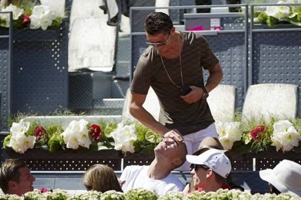 Ρεάλ Μαδρίτης: Χαλάρωσαν με… τένις (photos)