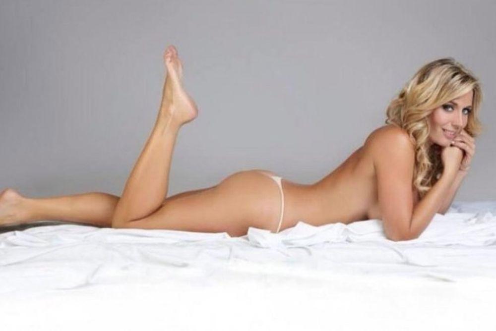 «Κουνελάκι του Playboy» πληρώνει για να κάνει… σεξ με Λαβέτσι και Αγουέρο