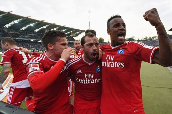 Σώθηκε το Αμβούργο, νίκη-θρίλερ στην Καρλσρούη! (pics)
