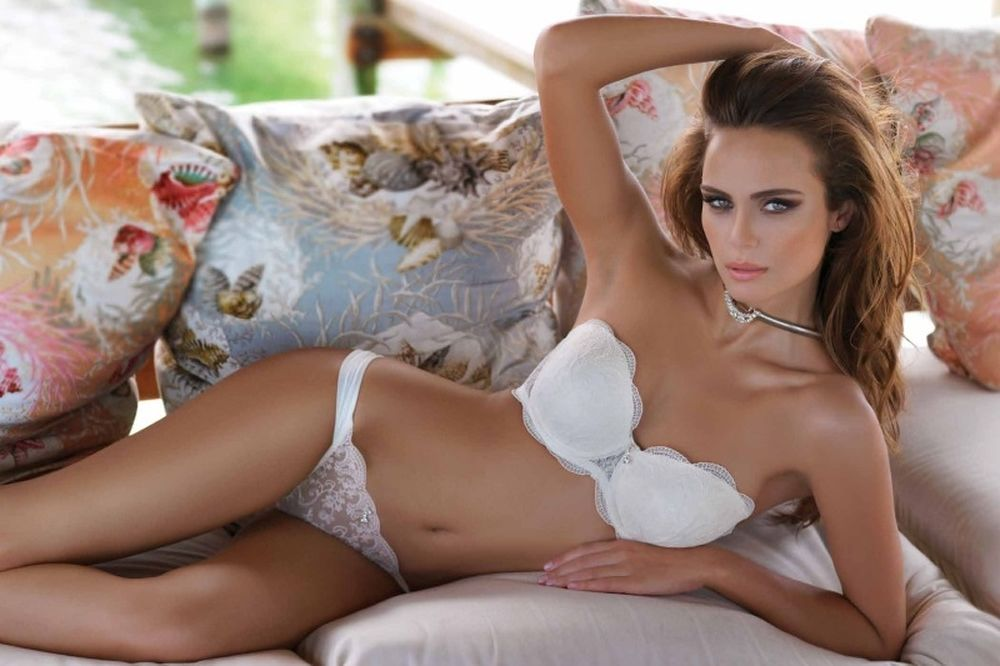 Η σέξι Ελληνίδα που κατέκτησε το Instagram! (photos)