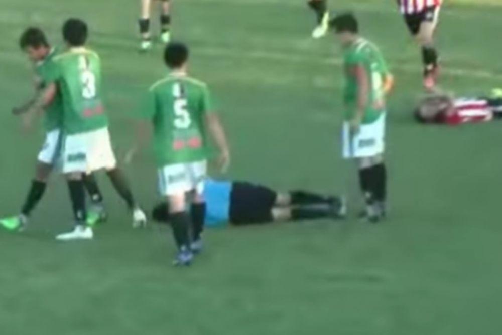 Τον έστειλε στο νοσοκομείο! Το κροσέ του παίκτη που... ξάπλωσε τον διαιτητή! (video)