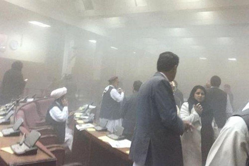 Επίθεση Ταλιμπάν στο κοινοβούλιο του Αφγανιστάν! (photos+videos)