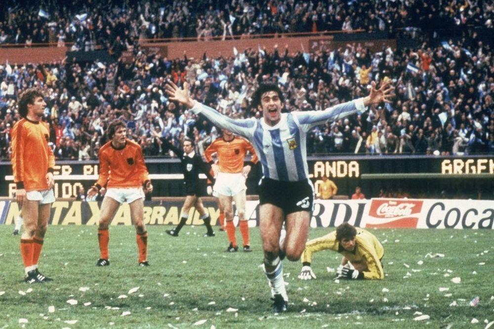 Όταν ο Μενότι χαμογέλασε: η Αργεντινή στην κορυφή του κόσμου (photos&video)