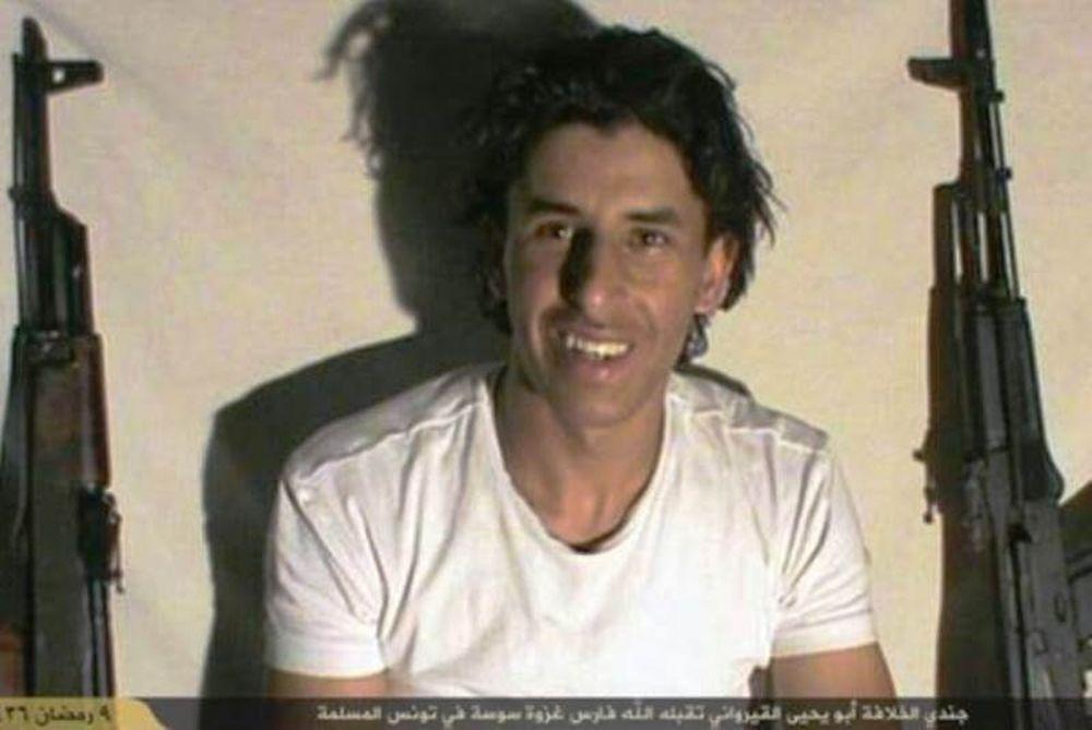 Ανατριχιαστικές φωτογραφίες του τζιχαντιστή που έσπειρε τον θάνατο (pics)