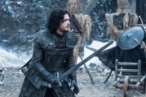 Πρώην παίκτης του Παναθηναϊκού με το σπαθί του… John Snow (photo)