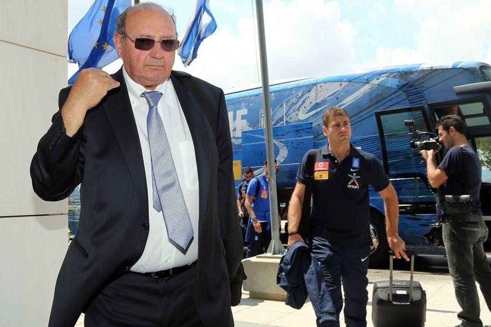 Να μείνει στην Εθνική Ελλάδας ο Μαρκαριάν μετά την παραίτησή του; (poll)