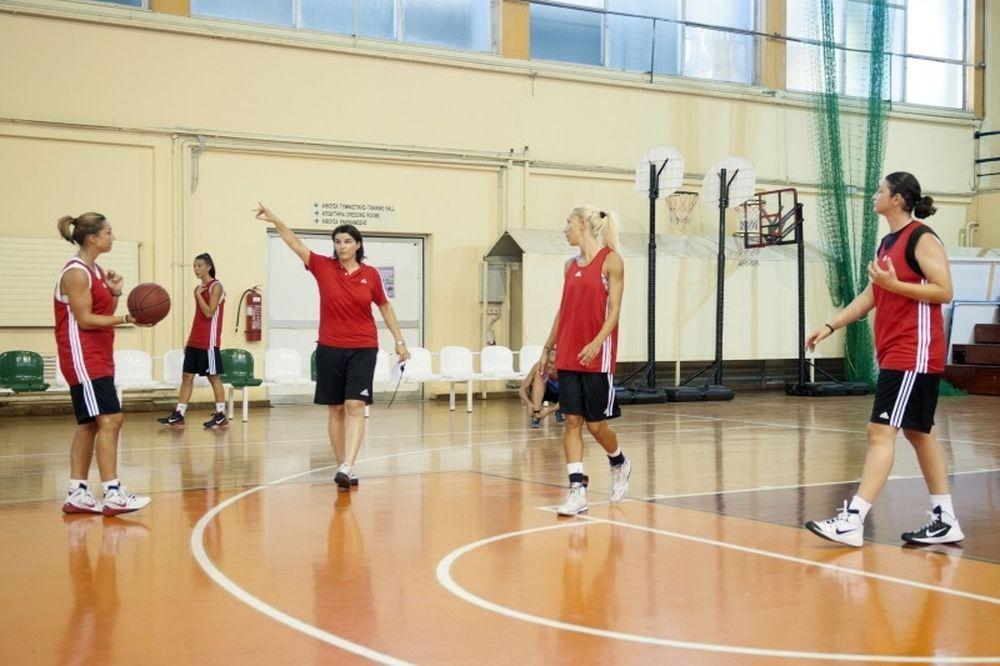 Ολυμπιακός: «Ποδαρικό» για το μπάσκετ γυναικών! (photos)