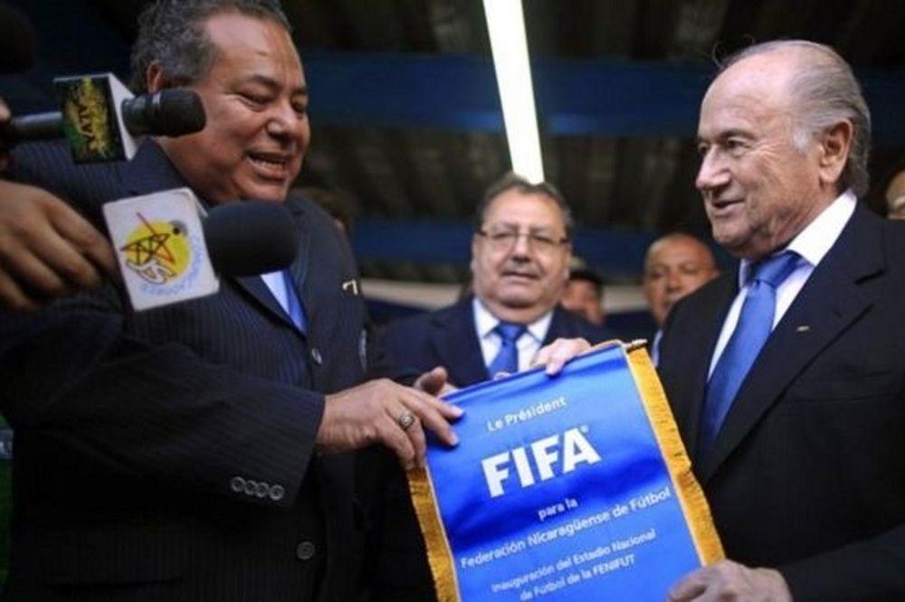 Άρχισαν τα... όργανα στη FIFA!