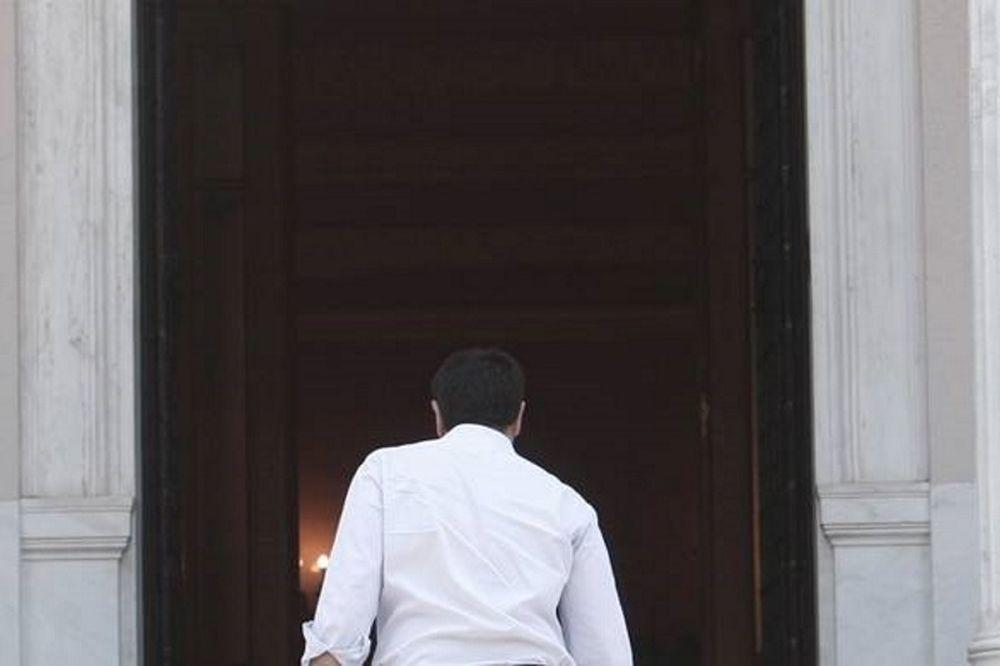 Από εβδομάδα οι κρίσιμες πολιτικές αποφάσεις Τσίπρα...