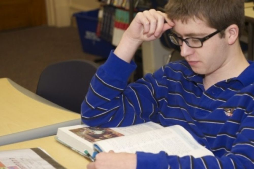 Τα σχολεία άνοιξαν: Ποια είναι η σωστή στάση διαβάσματος;