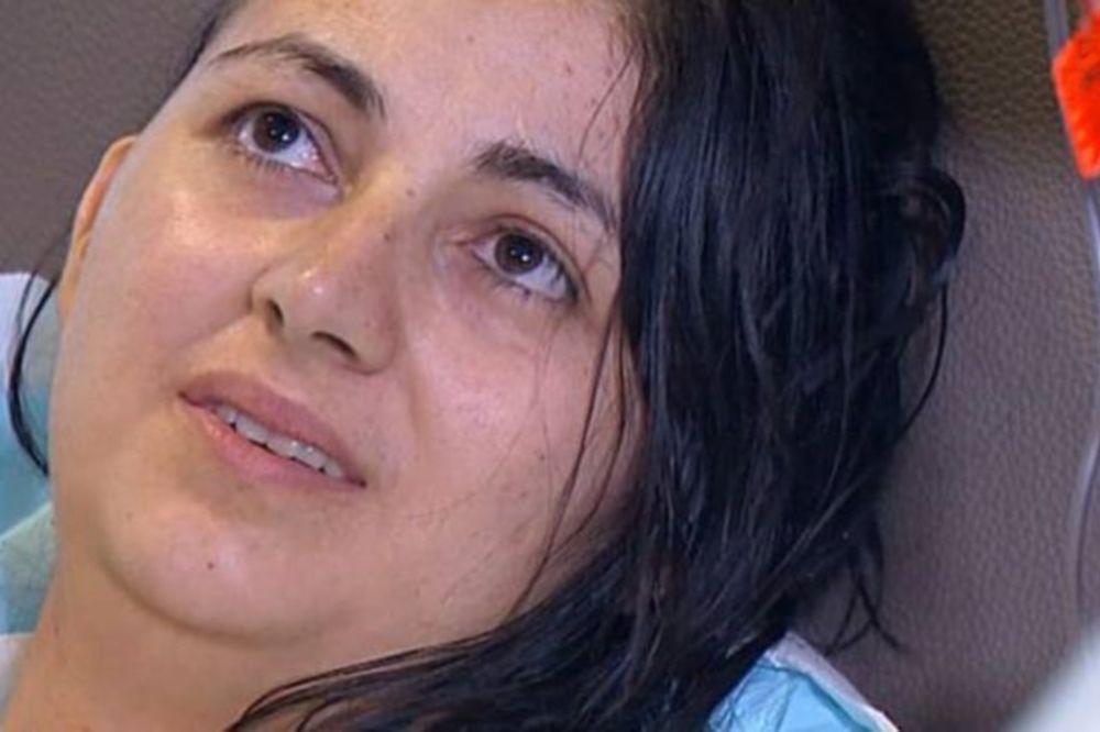 Η τρομακτική αιτία των πονοκεφάλων αυτής της γυναίκας θα σας δημιουργήσει εφιάλτες! (video)