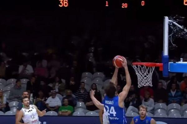 Ευρωμπάσκετ: Κορυφή… ο απίστευτος Βέσελι! (video)