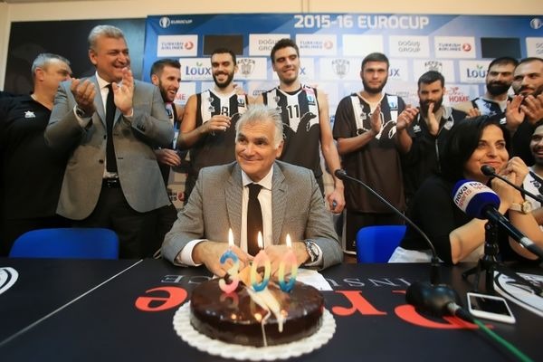 Ο Μαρκόπουλος τα έχει... 300! (photos&video)