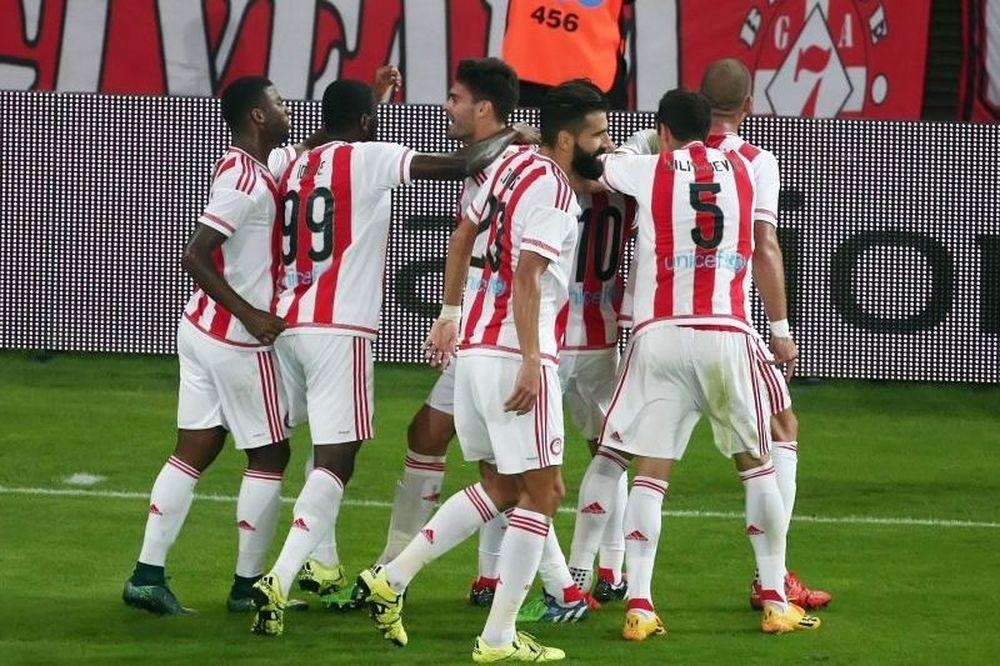 Ολυμπιακός - ΑΕΚ 4-0: Ποιο ντέρμπι; Ντόρτια και... ξεφεύγει!