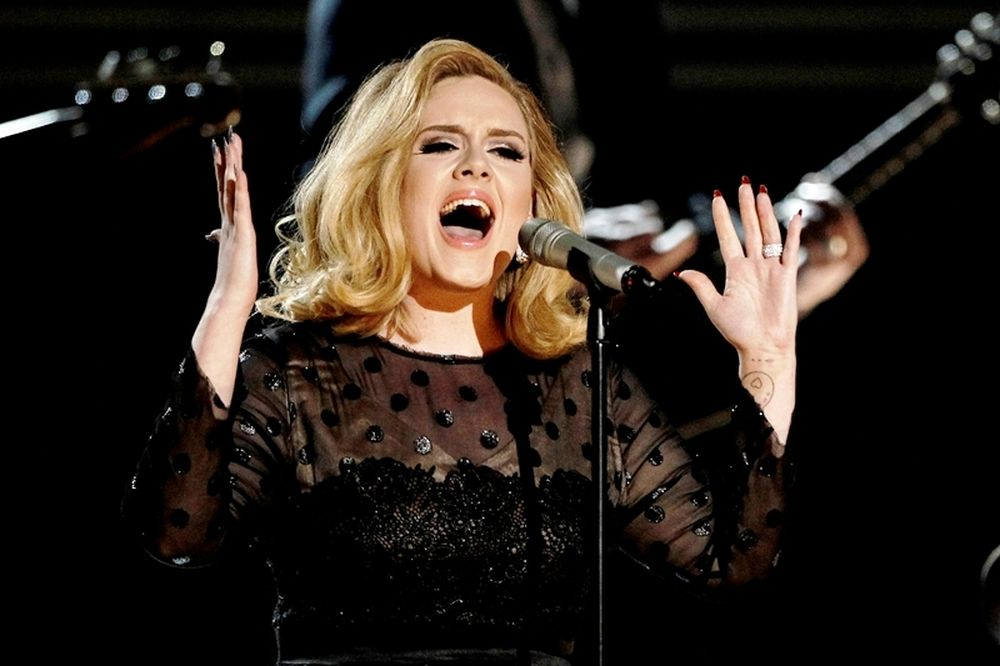 Το τραγούδι της Adele που διέλυσε το internet (video)
