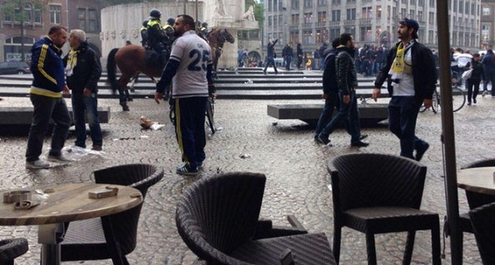 «Γης μαδιάμ» μεταξύ Τούρκων και αστυνομικών στην Ολλανδία (videos)