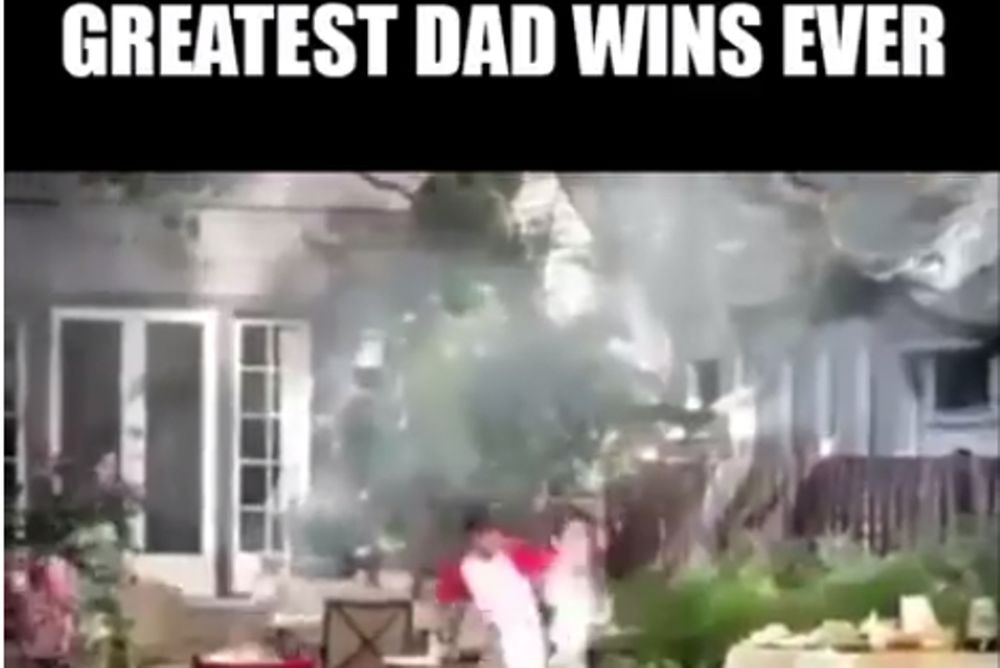 Ένας μπαμπάς μα τι μπαμπάς! (video)