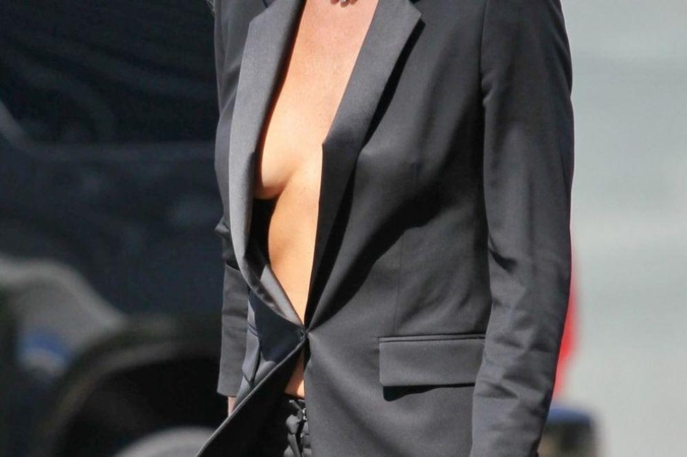 Ελληνίδα ηθοποιός εμφανίστηκε χωρίς σουτιέν! (photo)