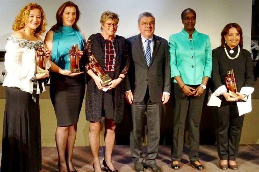 Ύψιστη τιμή για τη πρόεδρο του ΣΕΟ, Βούλα Κοζομπόλη, από τη ΔΟΕ
