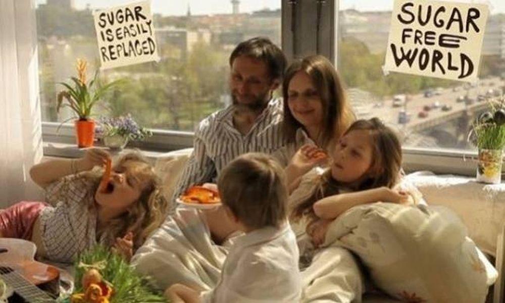 «Sugar Blues»: Η μάχη μίας μαμάς ενάντια στη ζάχαρη (video)