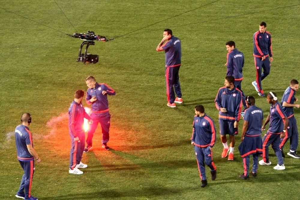 Παναθηναϊκός-Ολυμπιακός: Photostory με τις φωτοβολίδες στους παίκτες των «ερυθρόλευκων»!