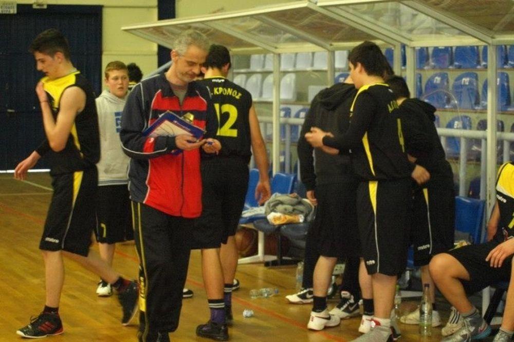 ΣΟΚ: Προπονητής μπάσκετ «έφυγε» εντός γηπέδου
