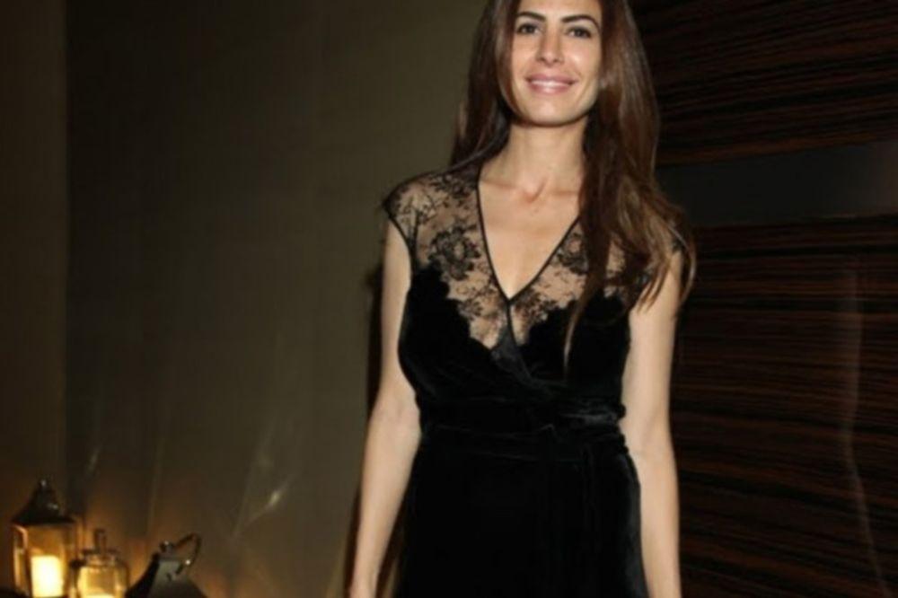 Καλλονή από τη Συρία «πρώτη κυρία» της Αργεντινής! (photos)