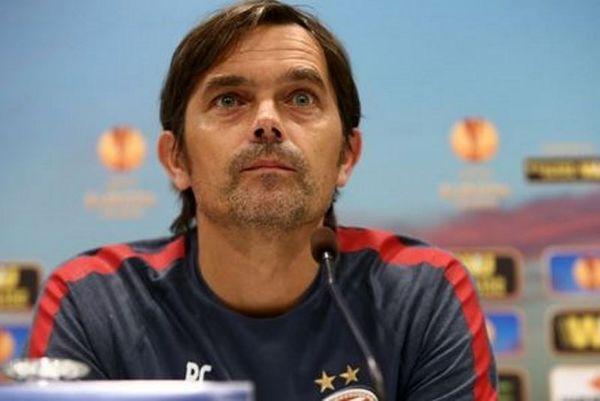 Ανανέωσε με PSV ο Κοκού