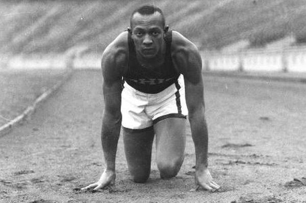Jesse Owens: Ο έγχρωμος που θριάμβευσε στην έδρα της Άριας Φυλής (photos+videos)