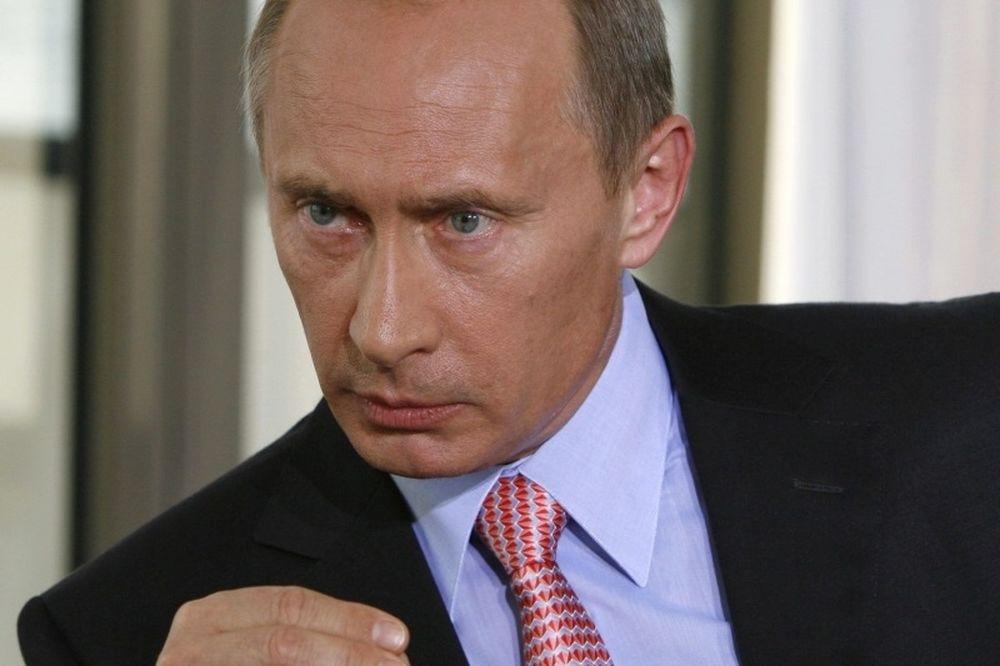 Μήπως να ζητάγαμε από τον Άη-Βασίλη έναν... Πούτιν;