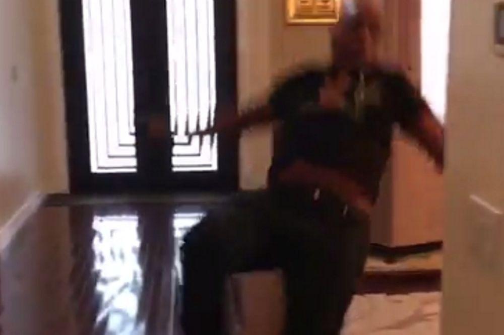 Επική τούμπα ο Μάικ Τάισον! (video)