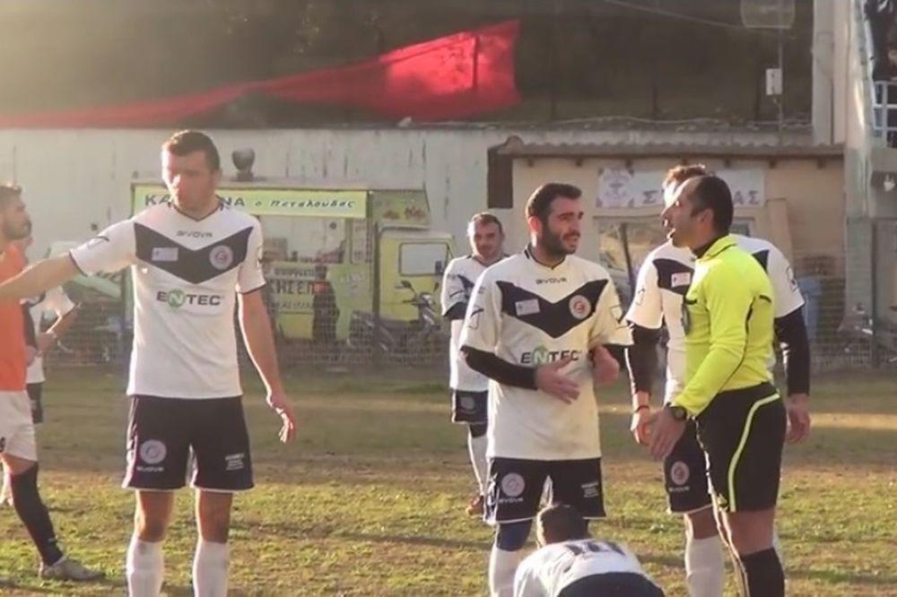 ΕΠΙΚΟ ΓΕΛΙΟ! Τρελαμένος Έλληνας διαιτητής δίνει απίστευτο σόου! (video)