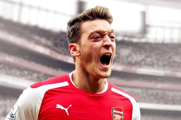 Καλύτερος Γερμανός ποδοσφαιριστής ο Εζίλ!