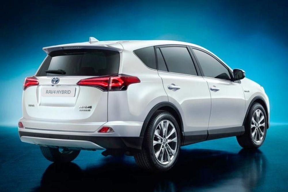 Πρώτη δοκιμή του ανανεωμένου Toyota RAV4 Hybrid