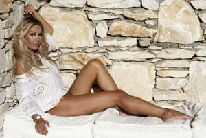 Γι' αυτό η Χριστίνα Παππά είναι η απόλυτη Ελληνίδα Milf! (photos+videos)