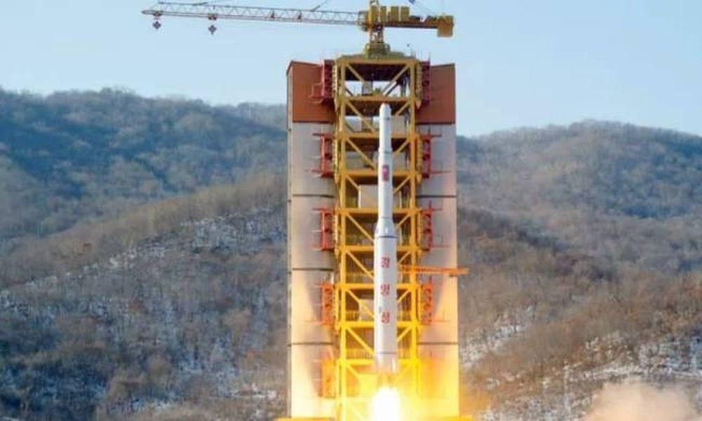 Συναγερμός στη Δύση μετά την εκτόξευση πυραύλου στη Β. Κορέα (vid)