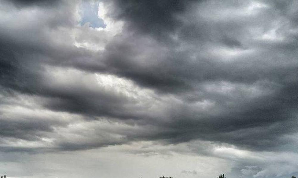 «Αγριεύει» ο καιρός το Σαββατοκύριακο: Έρχονται βροχές, καταιγίδες και χιόνια