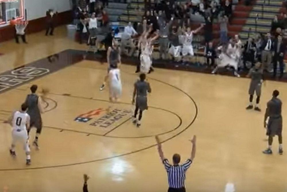 Εκπληκτικό buzzer-beater σε κολεγιακό μπάσκετ! (video)