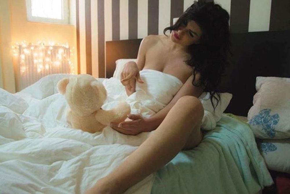 WND: Γνωρίστε την Ευρυδίκη Παπαδοπούλου (photos)