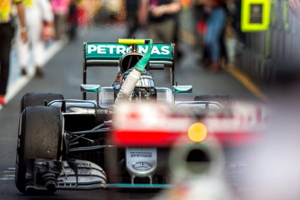 Formula 1: Επίδειξη δύναμης από Mercedes!