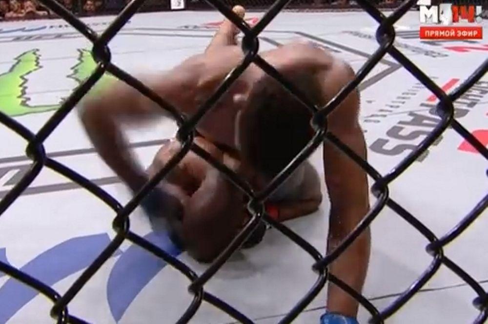 Απίστευτο ξύλο στο UFC! (video)