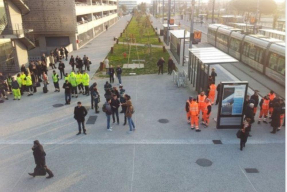 Έκτακτο: Εκκένωση του αεροδρομίου της Τουλούζης – Φόβοι για νέα τρομοκρατική επίθεση (Pics & Vid)
