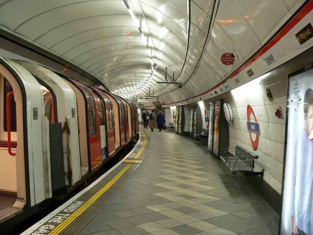 Έκτακτο: Εκκενώνεται κεντρικός σταθμός μετρό του Λονδίνου