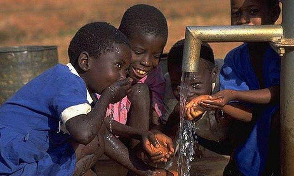 Σοκ: Περίπου 1,8 δισ. άνθρωποι πίνουν μολυσμένο νερό από κόπρανα!