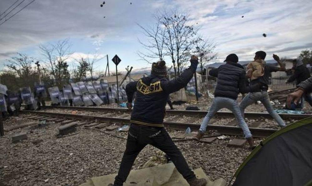 Ειδομένη: Άγριο ξύλο με μετανάστες και ΜΑΤ! (vid)