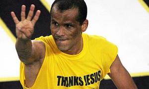 ΑΕΚ: Τα 4 δάχτυλα του Ριβάλντο στον Ολυμπιακό! (photos+video)