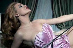 Σπανιότατο: Βίντεο με τη Ζέτα Μακρυπούλια γυμνή! (video)
